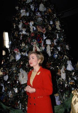 1993-white-house-christmas-526950548-1511994492HillaryClinton